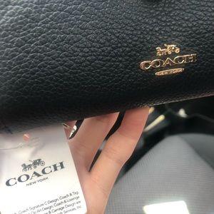 Brand New w/Tag COACH Accordion Zip Wallet